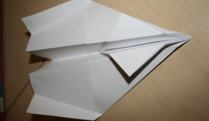 Build_a_paper_Airplane_step_6