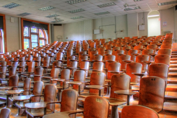 lecture-hall-347316_1280